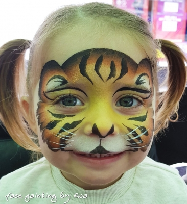 cute tiger face painting Telford