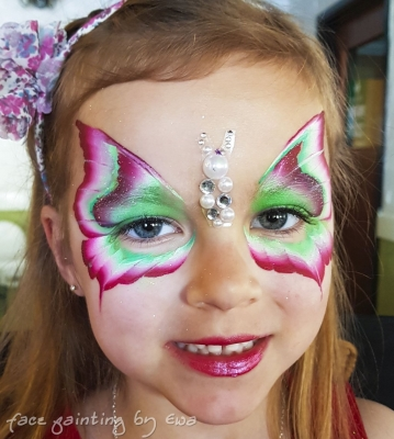 one stroke butterly face paint Telford